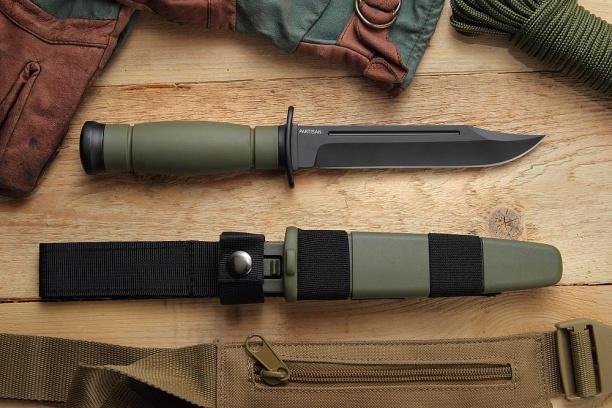 Нож для охоты ''Партизан (Partisan)'' зелёный