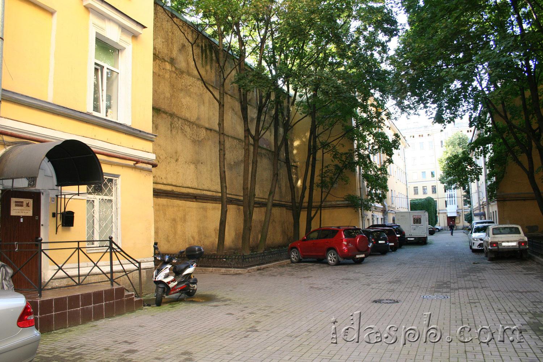 Архитектура дворов Петербурга