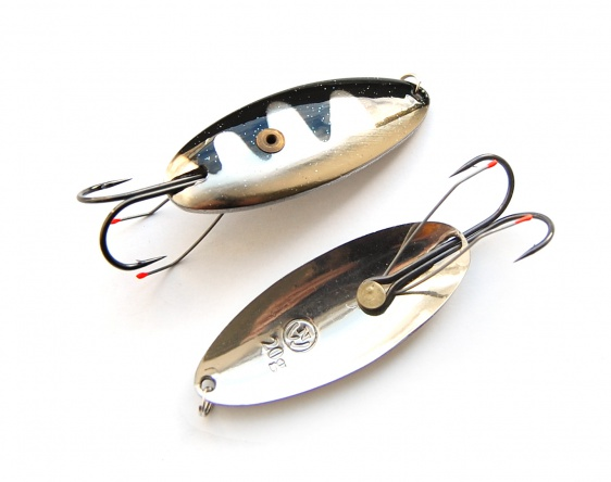Snag-free spoon-bait «Schuchya» with double hook