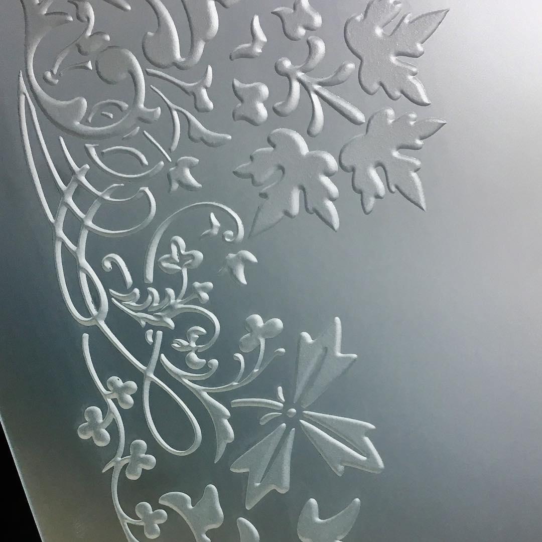 Обработка стекла пескоструем